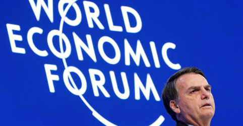 Placeholder - loading - Imagem da notícia Bolsonaro e ministros cancelam entrevista coletiva em Davos
