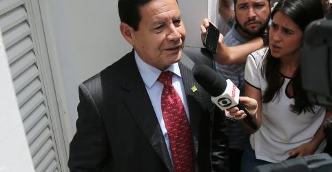 Brasil não intervém em outros países, diz Mourão ao ser questionado sobre Venezuela