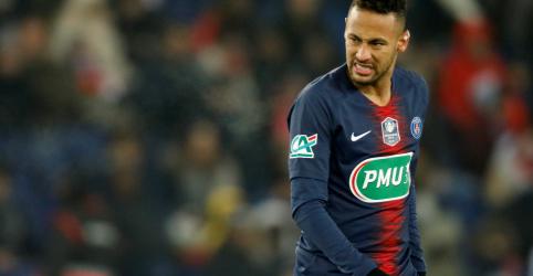 Placeholder - loading - Imagem da notícia Neymar vira dúvida para jogo do PSG na Liga dos Campeões por lesão no pé