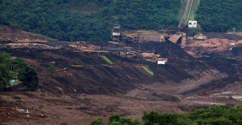 Placeholder - loading - Imagem da notícia Número de mortos em Brumadinho sobe para 37; sirene de alerta dispara por risco em barragem de água