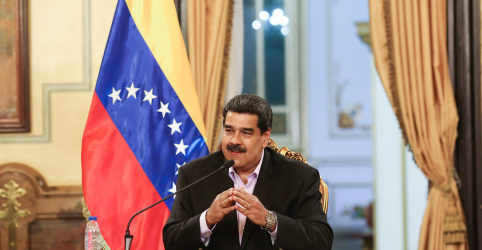 Placeholder - loading - Imagem da notícia Venezuela vê economia ameaçada por sanções dos EUA e retém petróleo nos portos