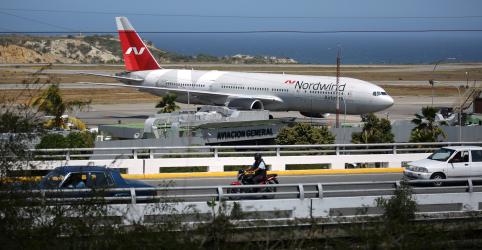Chegada de avião de passageiros da Rússia alimenta rumores na Venezuela