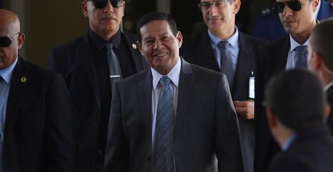 Placeholder - loading - Imagem da notícia Solução para Venezuela depende de conscientização de Forças Armadas do país, diz Mourão