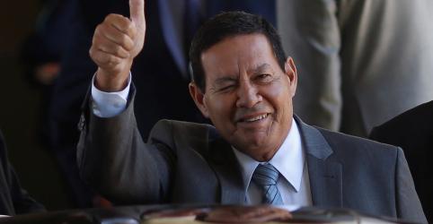 Placeholder - loading - Imagem da notícia Mourão diz que eleição de Maia pode ser boa para o governo e que resultado no Senado é indiferente