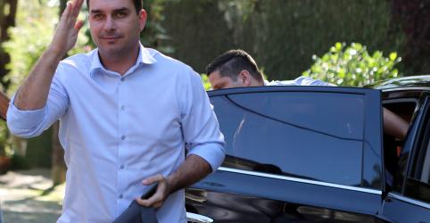 Placeholder - loading - Flávio Bolsonaro diz que respeita decisão de Marco Aurélio: 'Não vim pedir foro'
