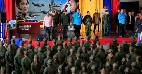 Placeholder - loading - Militares dos EUA estão prontos para proteger diplomatas na Venezuela, diz almirante