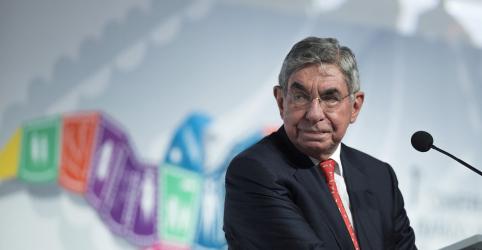 Placeholder - loading - Imagem da notícia Nobel da Paz Óscar Arias é acusado de assédio sexual por 5 mulheres
