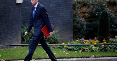 Placeholder - loading - Imagem da notícia Reino Unido pós-Brexit deve estar pronto a usar força para proteger interesses, diz ministro da Defesa