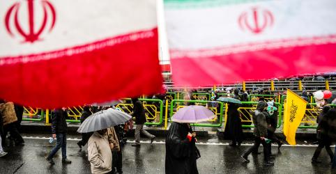 Placeholder - loading - Imagem da notícia Irã alerta que 'arrasará Tel Aviv' se for atacado pelos EUA