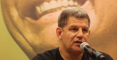 Placeholder - loading - Imagem da notícia Em meio a crise de candidatos laranja, Carlos Bolsonaro vaza áudio do presidente para atacar ministro