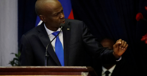 Placeholder - loading - Imagem da notícia Líder do Haiti descarta renúncia e pede diálogo após protestos violentos