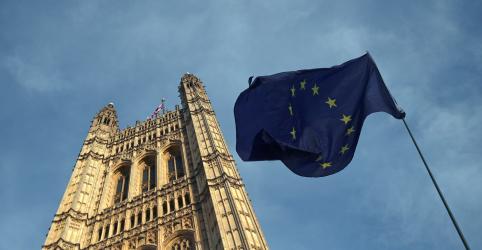 Pesquisa aponta prevalência da centro-direita e ascensão da extrema-direita em eleição da UE