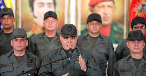 Tropas da Venezuela permanecem na fronteira para impedir ameaças, diz ministro
