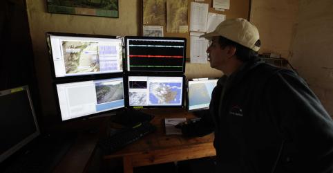 Placeholder - loading - Imagem da notícia Terremoto de magnitude 7,7 atinge sudeste do Equador
