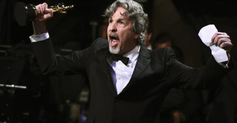 Placeholder - loading - Imagem da notícia 'Green Book' tira principal Oscar do Netflix em noite de música e diversidade