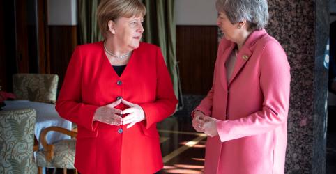 Placeholder - loading - Imagem da notícia Atraso do Brexit entra em pauta durante encontro entre May e Merkel, mas não há conversa substancial