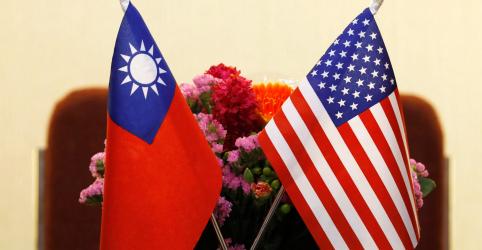 Placeholder - loading - Passagem de navios da Marinha dos EUA pelo Estreito de Taiwan revolta China