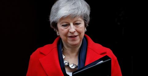 Placeholder - loading - Imagem da notícia Premiê britânica diz que parlamentares poderão votar sobre atraso ou Brexit sem acordo