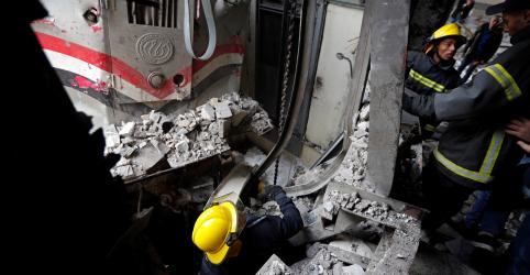 Placeholder - loading - Imagem da notícia Vinte mortos e 40 feridos após incêndio em estação de trem no Cairo