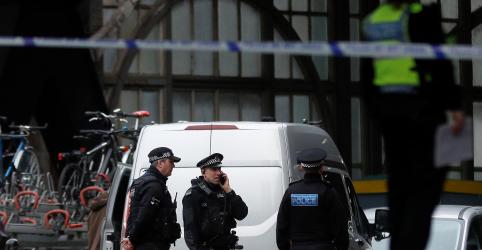 Placeholder - loading - Imagem da notícia Não houve reivindicação por bombas enviadas ao Reino Unido, diz polícia britânica