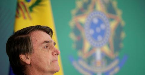 Bolsonaro defende reforma da Previdência no Twitter, diz que ela estabilizará contas públicas