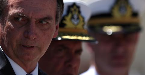 Placeholder - loading - Imagem da notícia Bolsonaro reclama que fala sobre democracia e Forças Armadas teve as 'mais variadas interpretações possíveis'