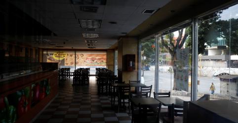 Venezuela fecha escolas e negócios em segundo dia de blecaute