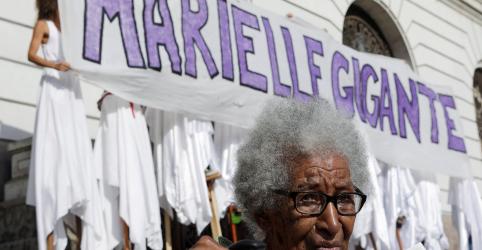 Placeholder - loading - Imagem da notícia Suspeitos de matar Marielle serão transferidos para presídio fora do Rio