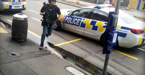 Placeholder - loading - Imagem da notícia Dezenas são mortos em ataques contra mesquitas na Nova Zelândia