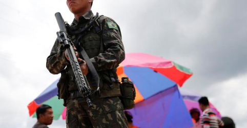 Reajuste em ajuda de custo na passagem de militares para reserva está quase certo, diz fonte