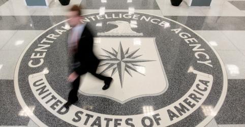 Placeholder - loading - Bolsonaro visita sede da CIA de olho em combate ao crime organizado
