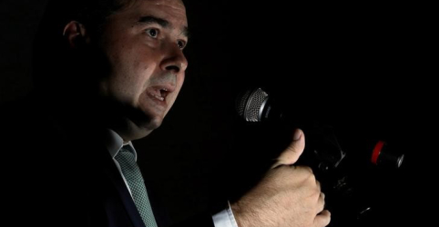 Maia diz que Guedes precisa se aproximar mais dos políticos em negociação da Previdência