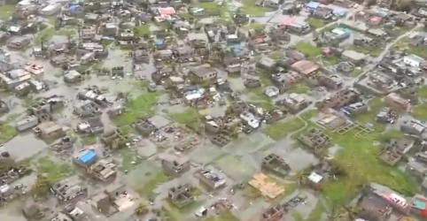 Número de mortos por ciclone e enchentes em Moçambique pode superar 1 mil, diz presidente