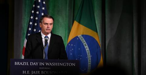 Placeholder - loading - Imagem da notícia Bolsonaro nega à Fox News conhecer suspeito de matar Marielle e defende muro de Trump