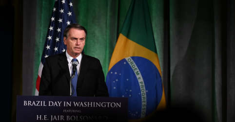 Placeholder - loading - Bolsonaro nega à Fox News conhecer suspeito de matar Marielle e defende muro de Trump