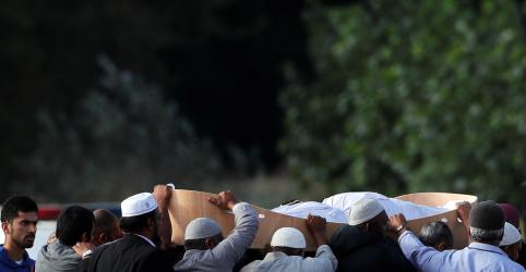 Placeholder - loading - Imagem da notícia Nova Zelândia começa a enterrar vítimas de ataque em mesquitas