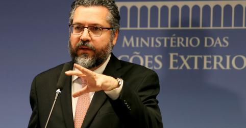 Placeholder - loading - Imagem da notícia Araújo diz que Brasil seguirá com atuação diplomática e política sobre Venezuela