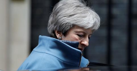 Placeholder - loading - May é pressionada a agendar renúncia para conseguir aprovar acordo do Brexit