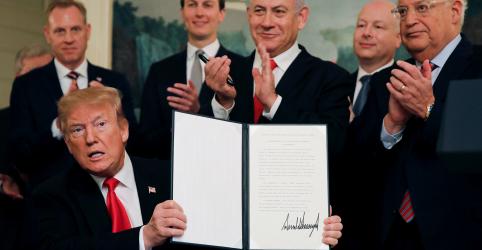 Placeholder - loading - Imagem da notícia Em vitória para Netanyahu, Trump reconhece oficialmente Colinas de Golã como território israelense