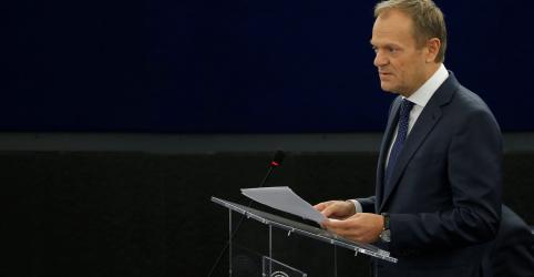 Placeholder - loading - Imagem da notícia Tusk pede que Parlamento Europeu cogite longo adiamento do Brexit