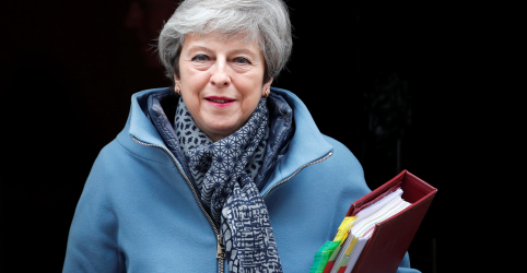 Placeholder - loading - May diz que renunciará se conseguir aprovar acordo do Brexit no Parlamento