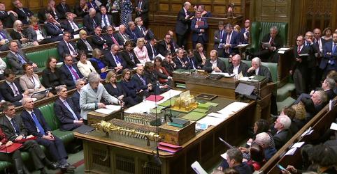 Placeholder - loading - Imagem da notícia Premiê britânica planeja votação fatiada sobre acordo do Brexit para garantir adiamento de saída