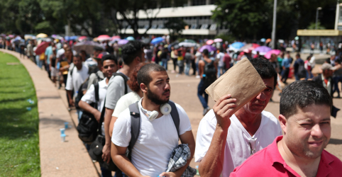 Taxa de desemprego sobe a 12,4% e Brasil volta a ter mais de 13 mi de desempregados