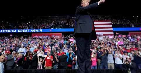 Placeholder - loading - Imagem da notícia Trump diz que defensores de inquérito sobre Rússia tentaram tomar poder ilegalmente