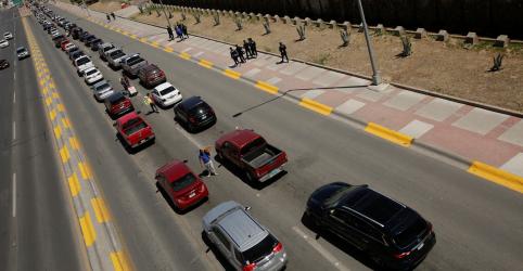 Placeholder - loading - Imagem da notícia Trump ameaça fechar fronteira dos EUA com México devido a onda de imigrantes