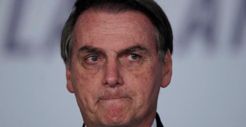 Placeholder - loading - Imagem da notícia Em mais um evento fora da agenda, Bolsonaro fala a homens em evento sobre 'hombridade'