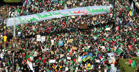 Placeholder - loading - Imagem da notícia Bouteflika, da Argélia, renunciará antes de fim de mandato em 28 de abril, diz agência estatal