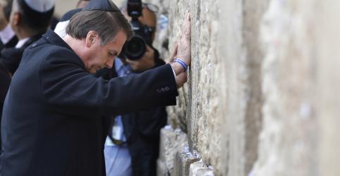 Placeholder - loading - Imagem da notícia Bolsonaro visita Muro das Lamentações; novo escritório em Jerusalém irrita palestinos