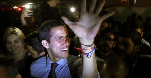 Placeholder - loading - Parlamentares governistas da Venezuela abrem caminho para julgamento de Guaidó