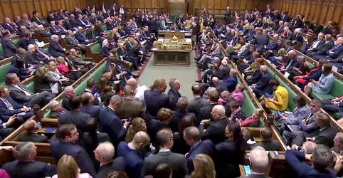 Câmara dos Comuns aprova legislação sobre adiamento do Brexit
